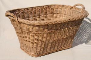114407 Rattan Laundry Basket
