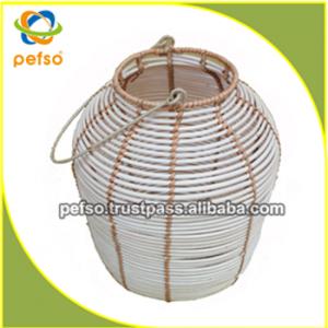 332207 Natural Rattan Lantern
