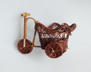 771108 Rattan bicycle souvenir