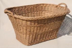 114407 Rattan Laundry Basket